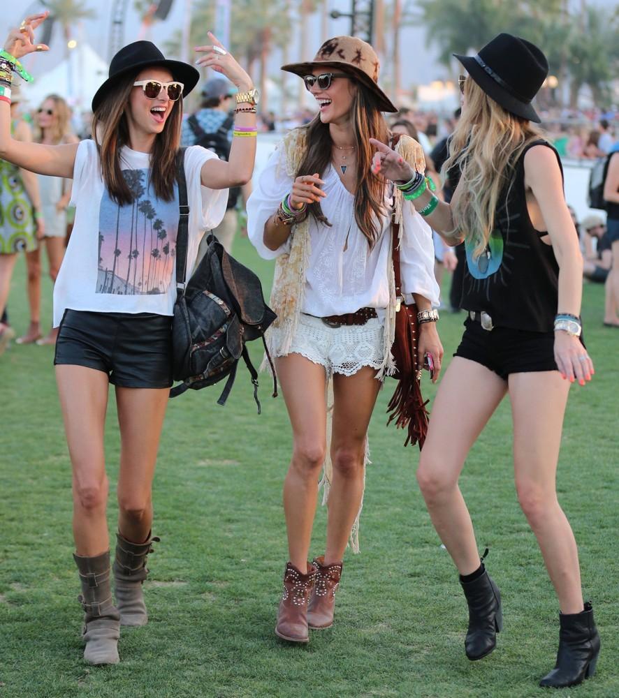 festival-girls
