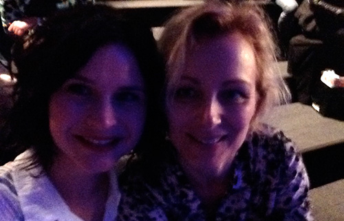 Selfie Lynn & Marit tijdens de L'Oréal Hair Show