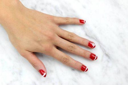 DIY: Easy Christmas Nails
