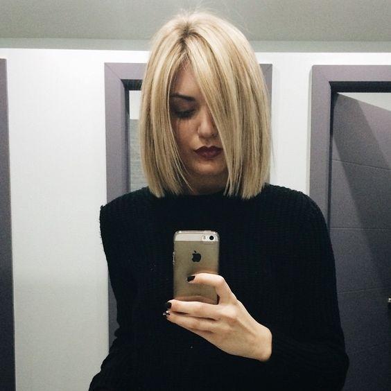blond rechte bob frontzijde