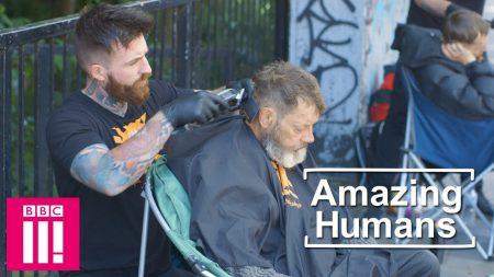 Geven maakt gelukkig, dat bewijst deze barmhartige barber
