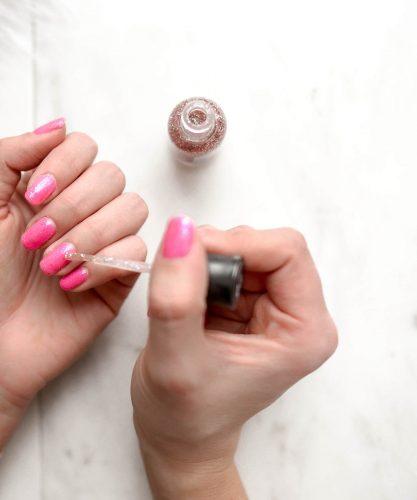 Hou jij van minimalistisch? Dan is deze nail art écht jouw ding